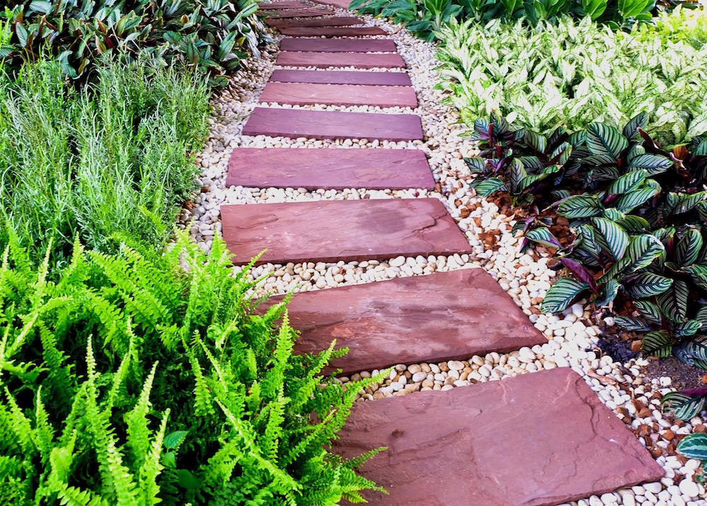 Decorative stones for gardens